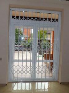 Раздвижные решетки АМРА-М на двери и окна